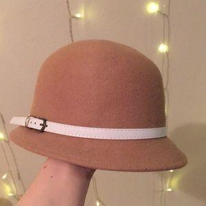 Tan retro ('20s/'30s) hat